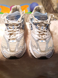Womens New Balance Acteva Trainer Shoes - practically new - size
