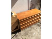 Chest of drawers (local delivery £5)