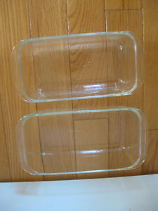 TWO CLEAR GLASS PYREX LOAF PANS {BAKING or MICROWAVE USE]