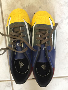 Adidas Size 2 soccer shoes with cleats very good condition