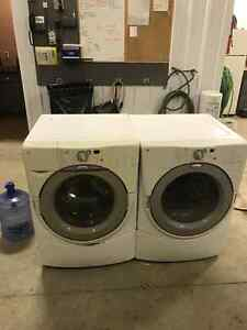 Whirlpool duet washer and dryer Moose Jaw Regina Area image 2