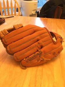 Large left-handed Rawlings baseball glove Edmonton Edmonton Area image 3
