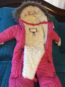 KUSHIES - Like New - SNOWSUIT -12 MONTHS