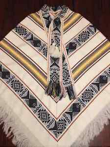 Authentic 100% wool poncho, hand made,  from Ecuador West Island Greater Montréal image 1