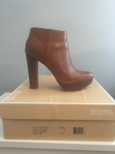 GENTLY USED MICHEAL KORS BOOTY