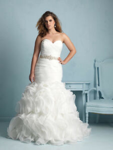 Allure Ivory Wedding Dress
