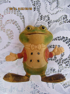 1948 REMPEL SOFT RUBBER SQUEEZE FROGGIE THE GREMLIN