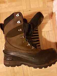 Men's size 7 North Face boots