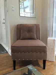 Chaise d'appoint avec coussin | Accent Chair with Cushion