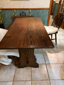 Vintage Solid Oak Table & 4 Matching Chairs.