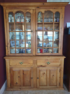 Beautiful SOLID PINE Hutch/Cabinet