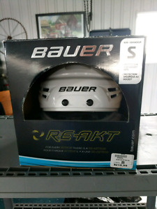 White Bauer React small helmet