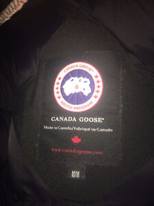 Mens Medium Canada Goose Borden Bomber Cambridge Kitchener Area image 2
