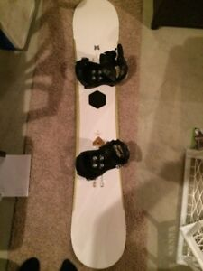 Forum snowboard with Burton boots and bindings