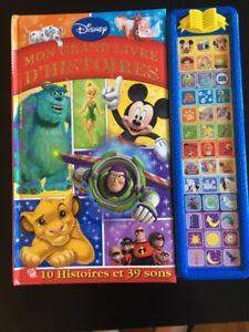 2 grands livres histoires Disney  avec 39 touches musicales