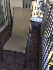 """Patio 43"""" Round Table & 4 Chairs"""