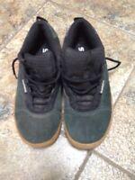 Men's size 8.5 Shimano biking shoes excellent condition.