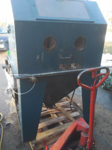 """Commercial sand blast cabinet - 40""""x40""""x30"""""""
