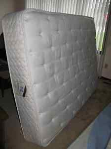 Mattress and Boxspring - Double (Full) Size - For Sale Windsor Region Ontario image 2