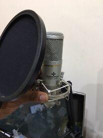 Editors keys 🔑 studio series Microphone 🎤