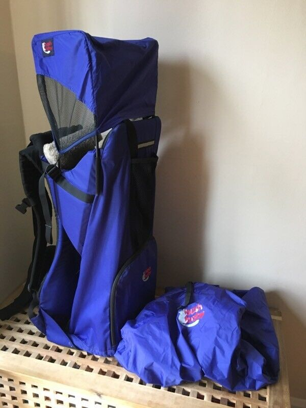 Bush baby backpack carrier framed with sun and raincover