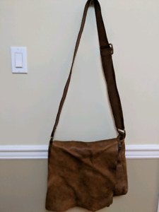 "Genuine Roots leather ""Raider's"" messenger bag"