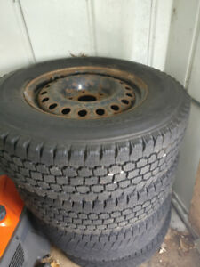2 Winter tires 225/75r16 with 4 rims