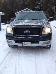 2004 F-150 xlt 5.4 PRICE REDUCED