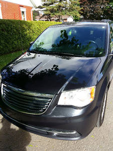 2013 Chrysler Town & Country Touring Camionnette