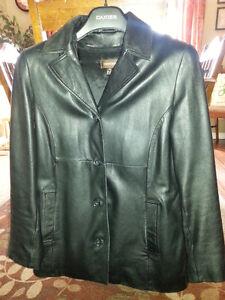 Danier Black Leather Jacket~EUC