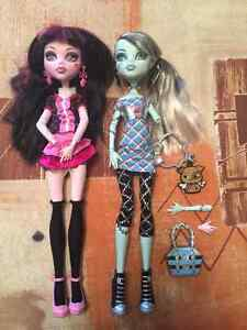 Monster High Draculaura and Frankie Stein Christmas