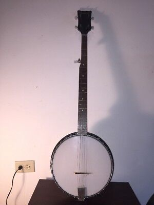 Vintage Paramount Five Strings Banjo With Case