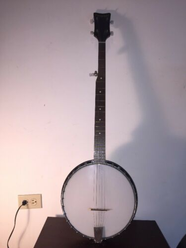 Vintage Paramount Five Strings Banjo With Case