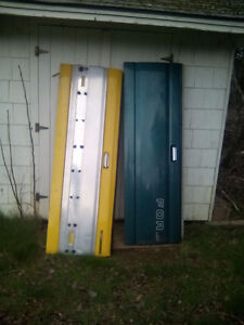 Hey I have 2 tailgates in good condition