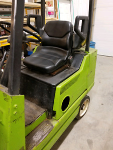 Clark propane powered indoor forklift