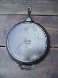 "15"" Lodge Cast Iron Skillet"