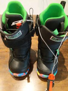 Kids/child/youth Burton Zipline sz 4 snowboard boots