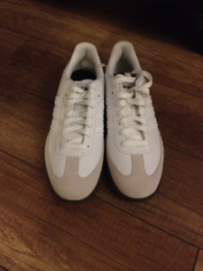 Brand New/Never Worn Women's ADIDAS Golf Shoes - Size 5