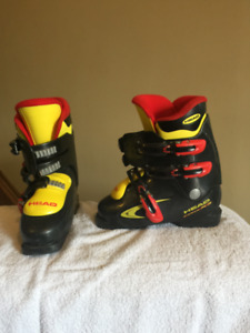 Junior Ski boots and goggles