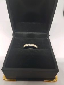18ct white gold diamond ring Belmont Belmont Area Preview