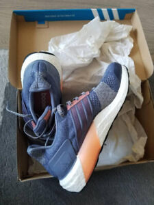 NEW! Adidas Runner UltraBoost Women size 7