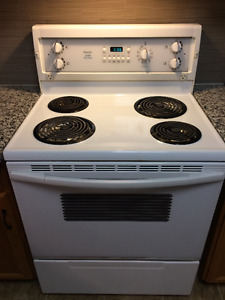 Kenmore Stove - Beamsville