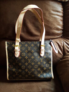 NEW PURSE FOR SALE