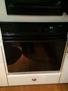 four encastré, plaque de cuisson et lave vaisselle