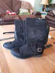 Girls Justice size 1 knee high boot