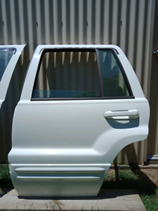 Jeep grand Cherokee WJ WG rear door LHS.