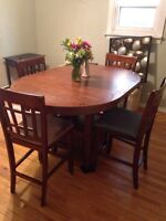 Solid wood kitchen table, good condition