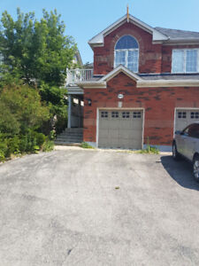 For Lease in a great area in Mississauga