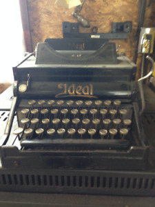 Antique type writter