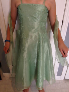 girls size 8 sage green bridesmaid dress
